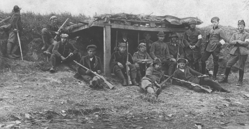 Zdjęcie archowalne.Powstańcuy śląscy umocnienia